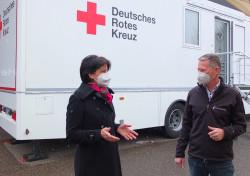 OB Gabriele Zull und Gerd Holzwarth im Gespräch