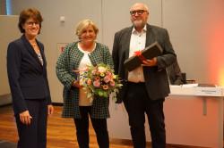 Sybille Mack mit Ehemann Michael Mack und Oberbürgermeisterin Gabriele Zull
