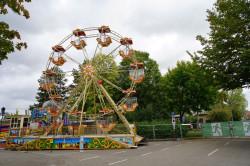 Noch ist der Vergnügungspark an diesem Tag geschlossen. Ist der Rummel offen, bietet er Unterhaltung für Kinder aller Altersgruppen