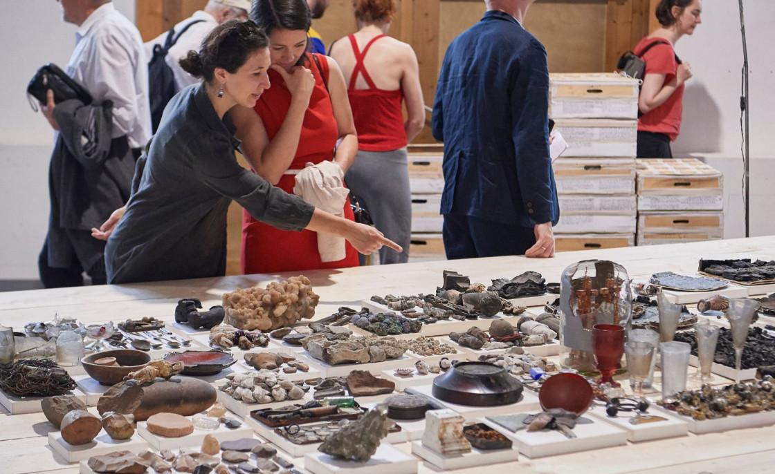 Triennale 2019 Besucher und Exponate