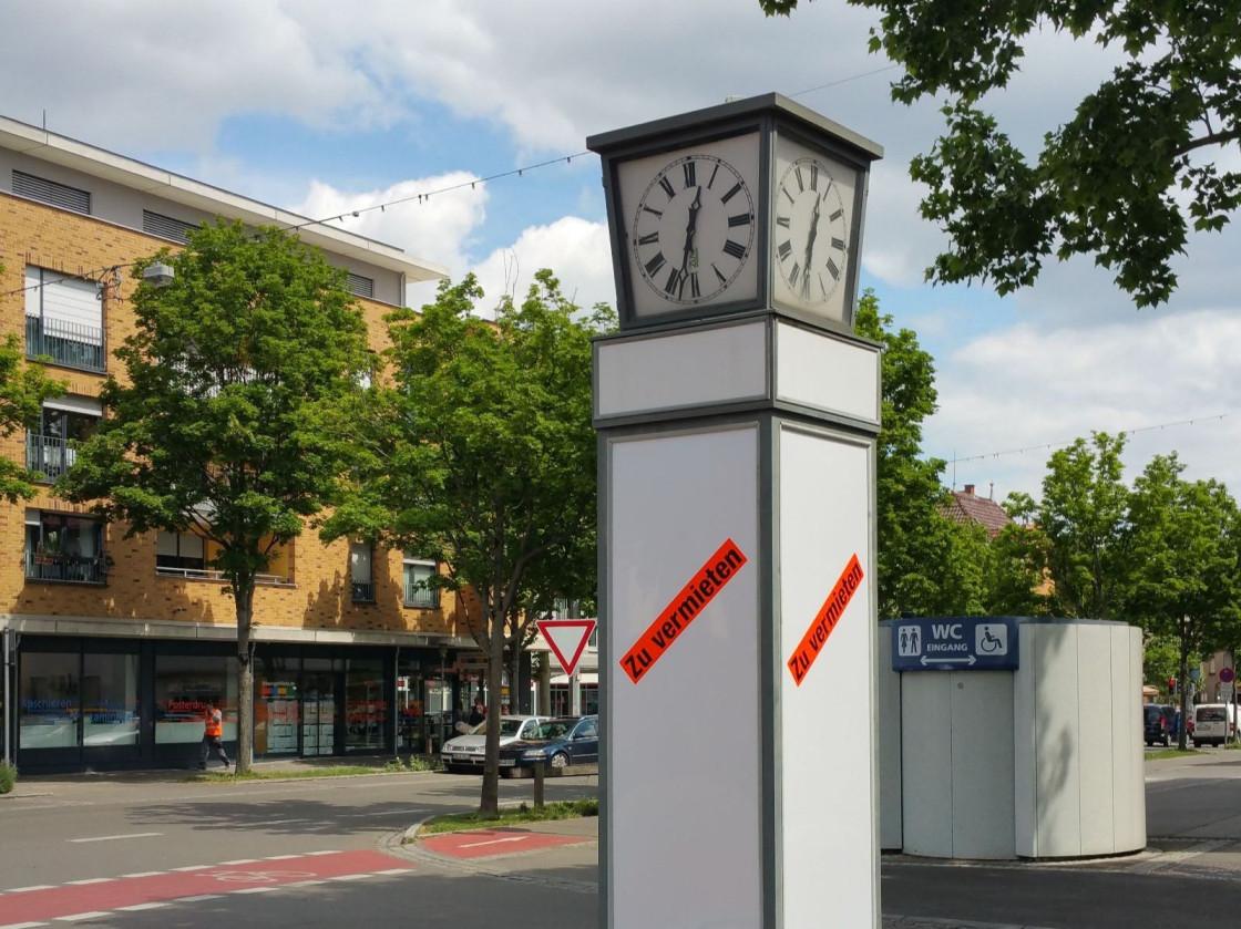Werbeuhr an der Stuttgarter Straße