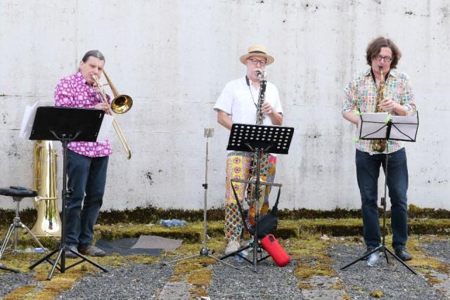 Trio Blastonal im Tropfkörper Weidachtal