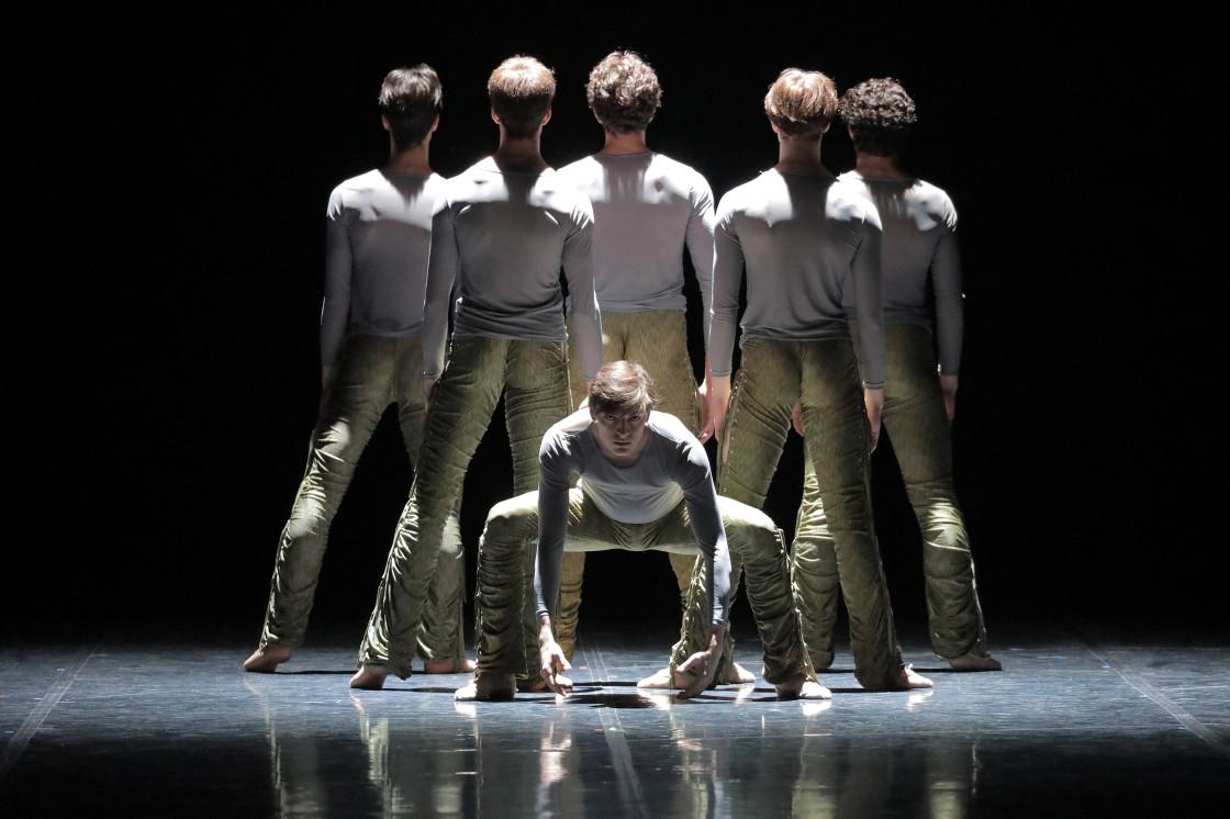 Szenenfoto Bayerisches Junior Ballett München © Wilfried Hösl